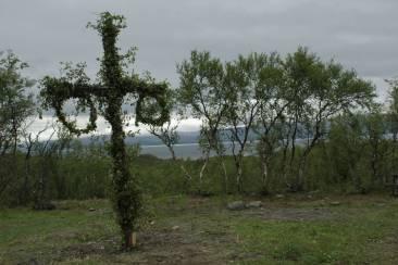 """Majstång (""""Stange, die mit Blumen geschmückt ist"""")"""