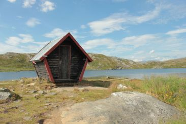 Schutzhütte vor dem Kratersjön