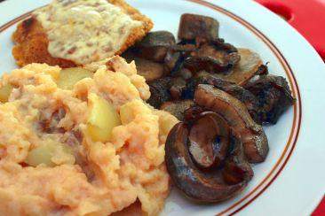Kartoffelbrei mit Pilzen